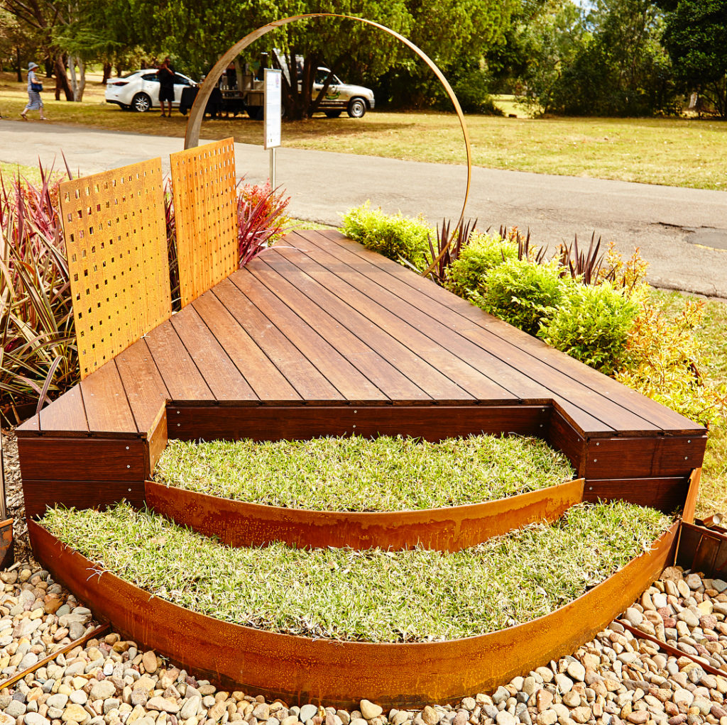 REDCOR® Steel Retaining Walls | Parklea Sand and Soil
